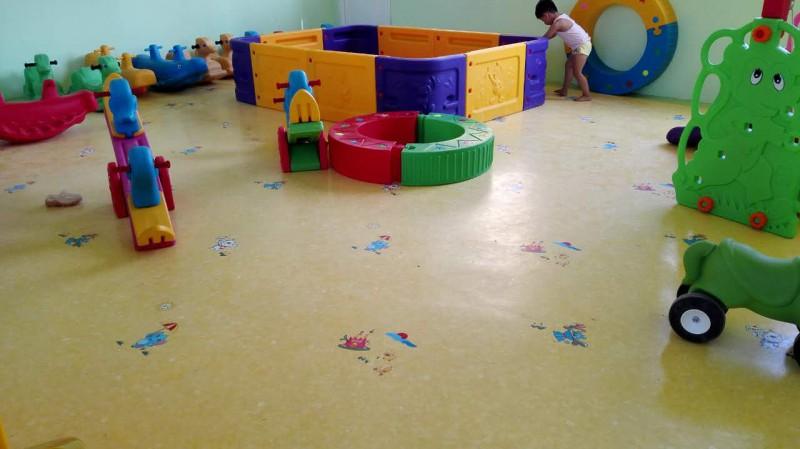 塑胶地板10
