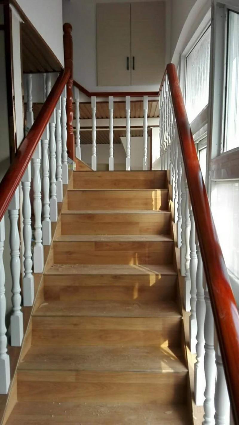 方城铭步楼梯