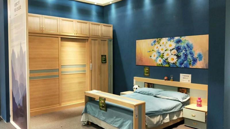 金鑫福门业铂芬全铝衣柜+全铝床+全铝床头柜-砂面柚木色