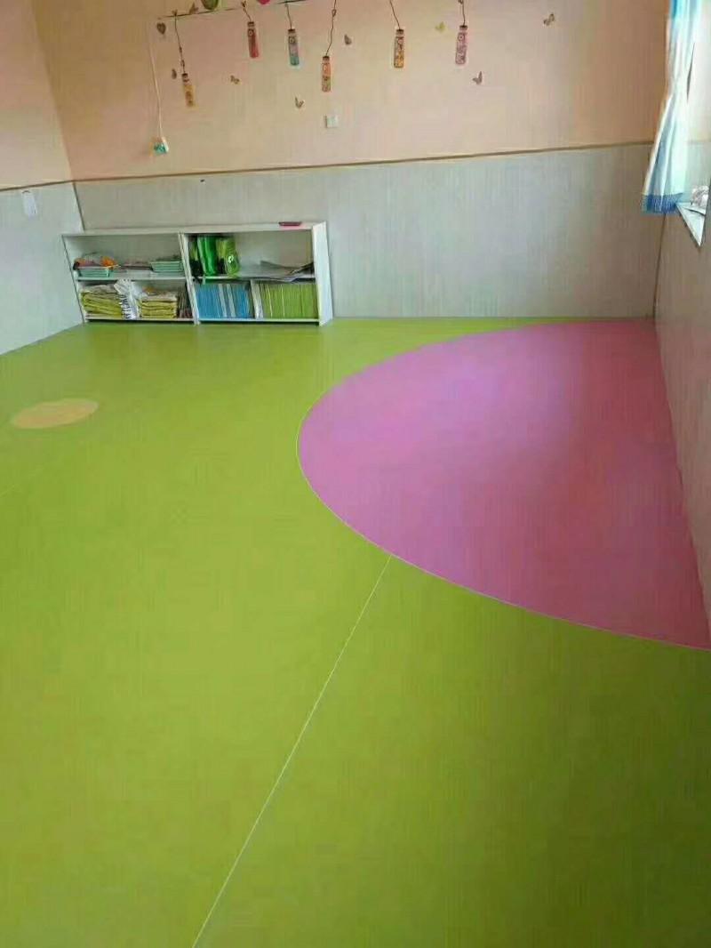 国产塑胶地板