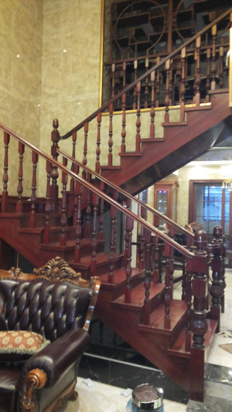 安步楼梯实木楼梯
