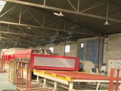 洛神钢化玻璃厂现代化生产设备